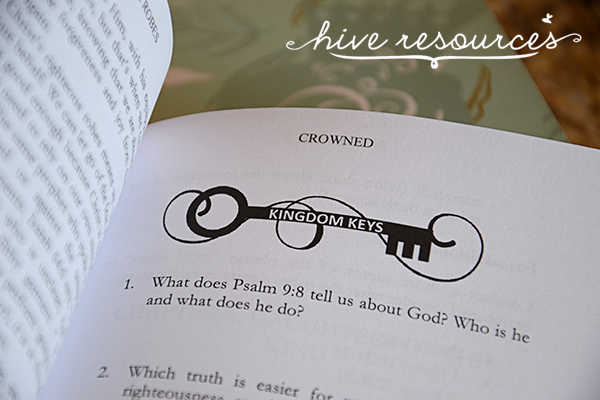 Tools for women discipling new believers {Hive Resources}